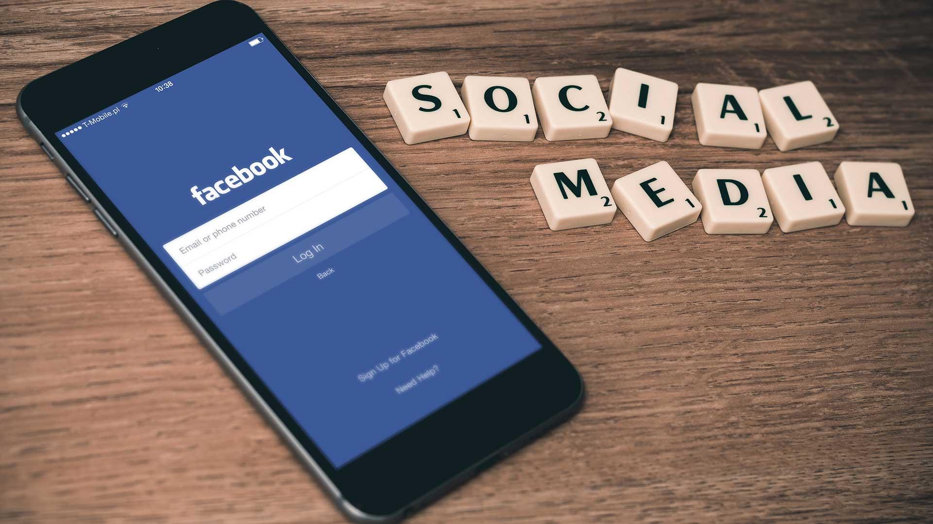 Social Media Facebook Mobile